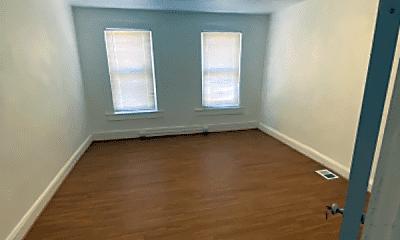 Bedroom, 2529 W Lombard St, 2