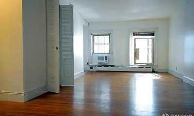 Living Room, 123 E 39th St, 1