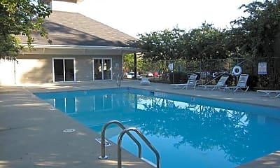 Pool, 303 Smith Level Rd D11, 2