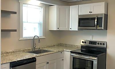 Kitchen, 824 Thurman Avenue, Unit 822, 2