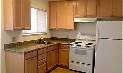 Kitchen, 476 Greendale Way, 1