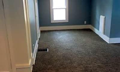 Living Room, 6350 N 33rd St, 2