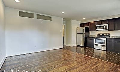 Living Room, 1218 Jackson Blvd, 1