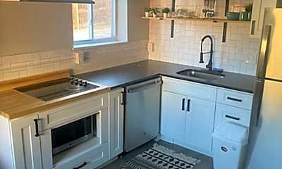 Kitchen, 2836 Wyandot St, 1