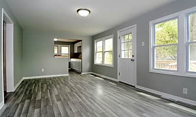 Living Room, 34465 N Hainesville Rd, 1
