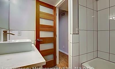 Bathroom, 2619 T St, 1