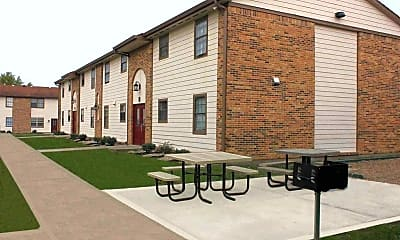 Stonecrest Apartments, 2