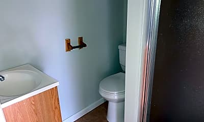 Bathroom, 4813 Baltimore Ave 1, 2