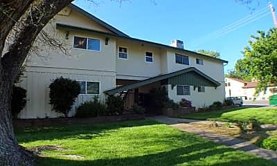 Building, 670 E 5th Ave, 0