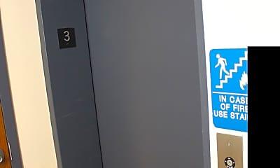 Bathroom, 1112 E Lancaster Ave 202, 2