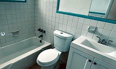 Bathroom, 1021 NE 8th Ave 52, 1