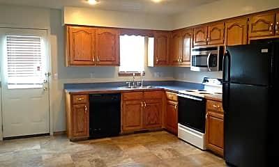 Kitchen, 777 Cardinal Dr, 1