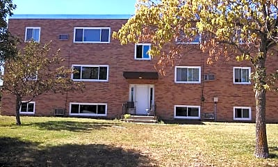 Building, 910 Maple St, 1
