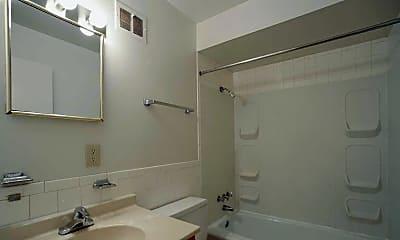 Bathroom, Oakmont Townhomes, 2