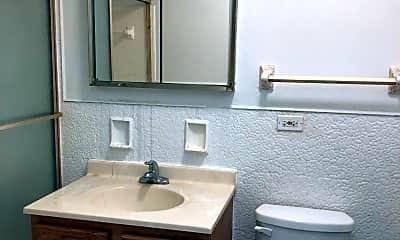 Bathroom, 7334 N Ridge Blvd, 2