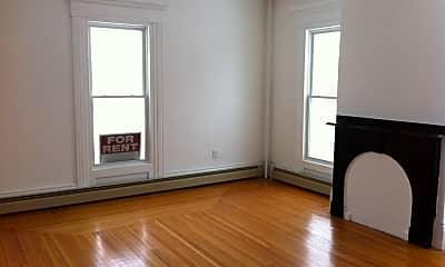 Living Room, 581 Chestnut St, 1