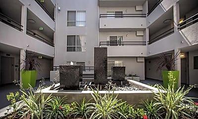 Building, The Toluca Lofts, 1