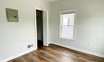 Living Room, 272 River St, 1