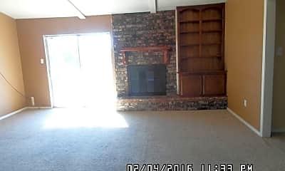 Building, 2611 NE Lake Ave, 1