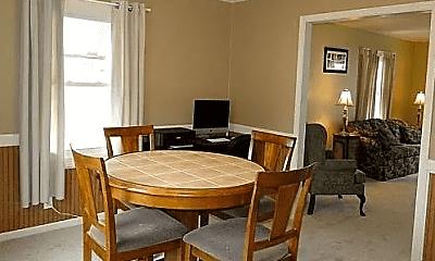Dining Room, 416 Bluff St, 1