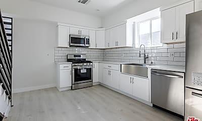 Kitchen, 1143 Irolo St C, 1