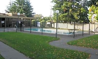 Saratoga Gardens, 2