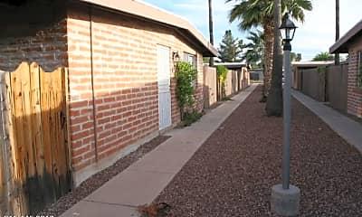 Building, 5634 E Glenn St C, 0