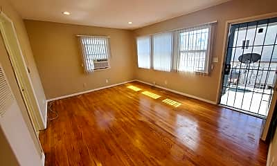 Living Room, 1059 S Norton Ave, 2