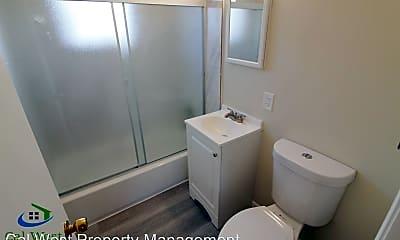 Bathroom, 162 Topeka Ave, 2