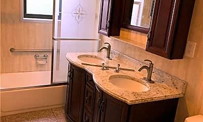 Bathroom, 95-21 67th Ave, 1
