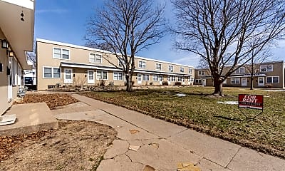 Building, 273 Madison St, 2