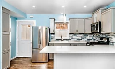 Kitchen, 3103 Highland Ave, 0