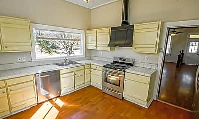 Kitchen, 507 Pennsylvania Avenue, 1