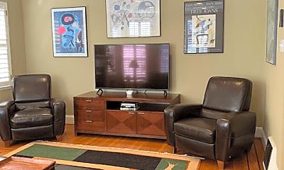 Living Room, 929 Elm St, 1