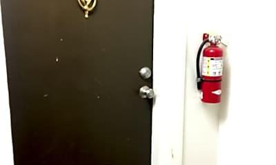 Bathroom, 904 N Main St, 2