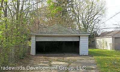 Building, 11285 Lakepointe St, 2