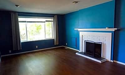 Living Room, 1475 Goodpasture Island Rd, 1