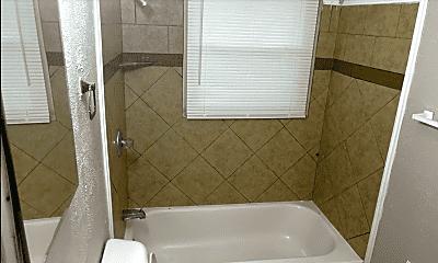 Bathroom, 903 S Hampton Rd, 2