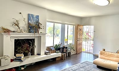 Living Room, 1301 S Saltair Ave 3, 1