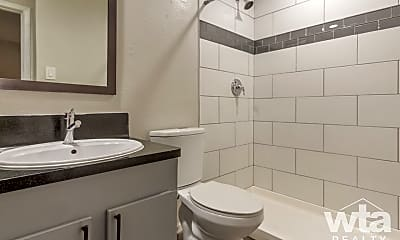 Bathroom, 2101 Elmont Dr, 2