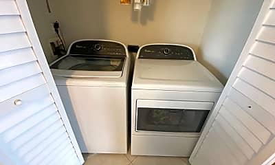 Kitchen, 1412 1st St N 304, 2