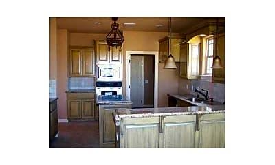 Kitchen, 11103 Bear Dr, 1