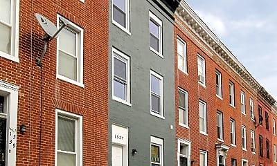 Building, 1537 Argyle Ave, 1