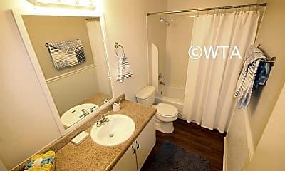 Bathroom, 7458 Louis Pasteur, 2