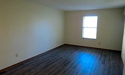 Living Room, 438 Oak Breeze Dr, 1