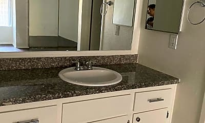 Bathroom, 245 S Rampart Blvd, 2
