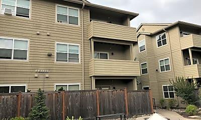 Walnut Creek Apartments, 2