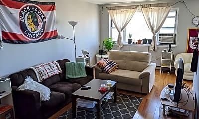 Living Room, 5920 N Kenmore Ave, 1