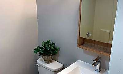 Bathroom, 24  Butler Street, 2