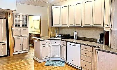 Kitchen, 721 S Main St, 1